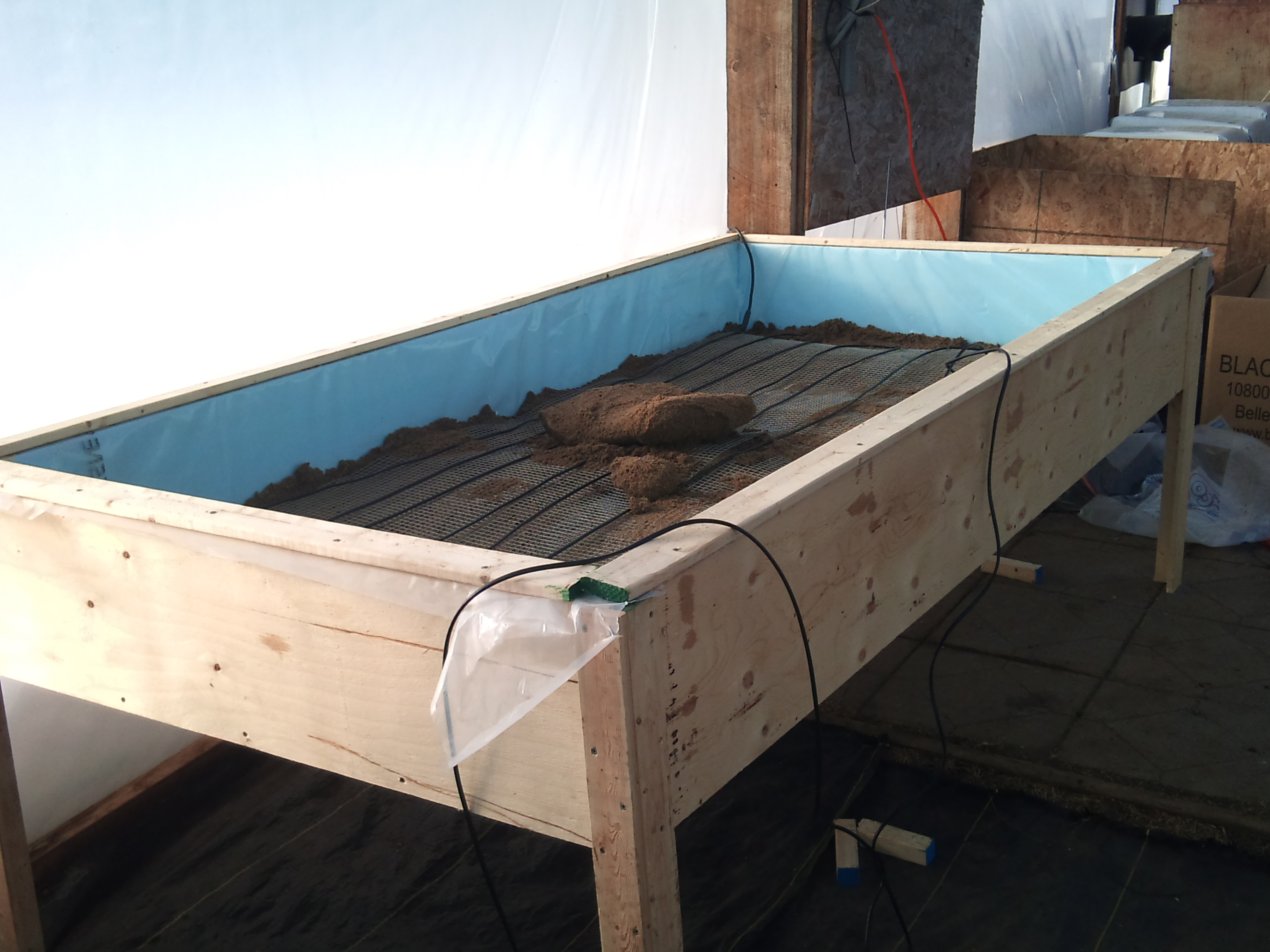 Heated Greenhouse Table Farm Hack
