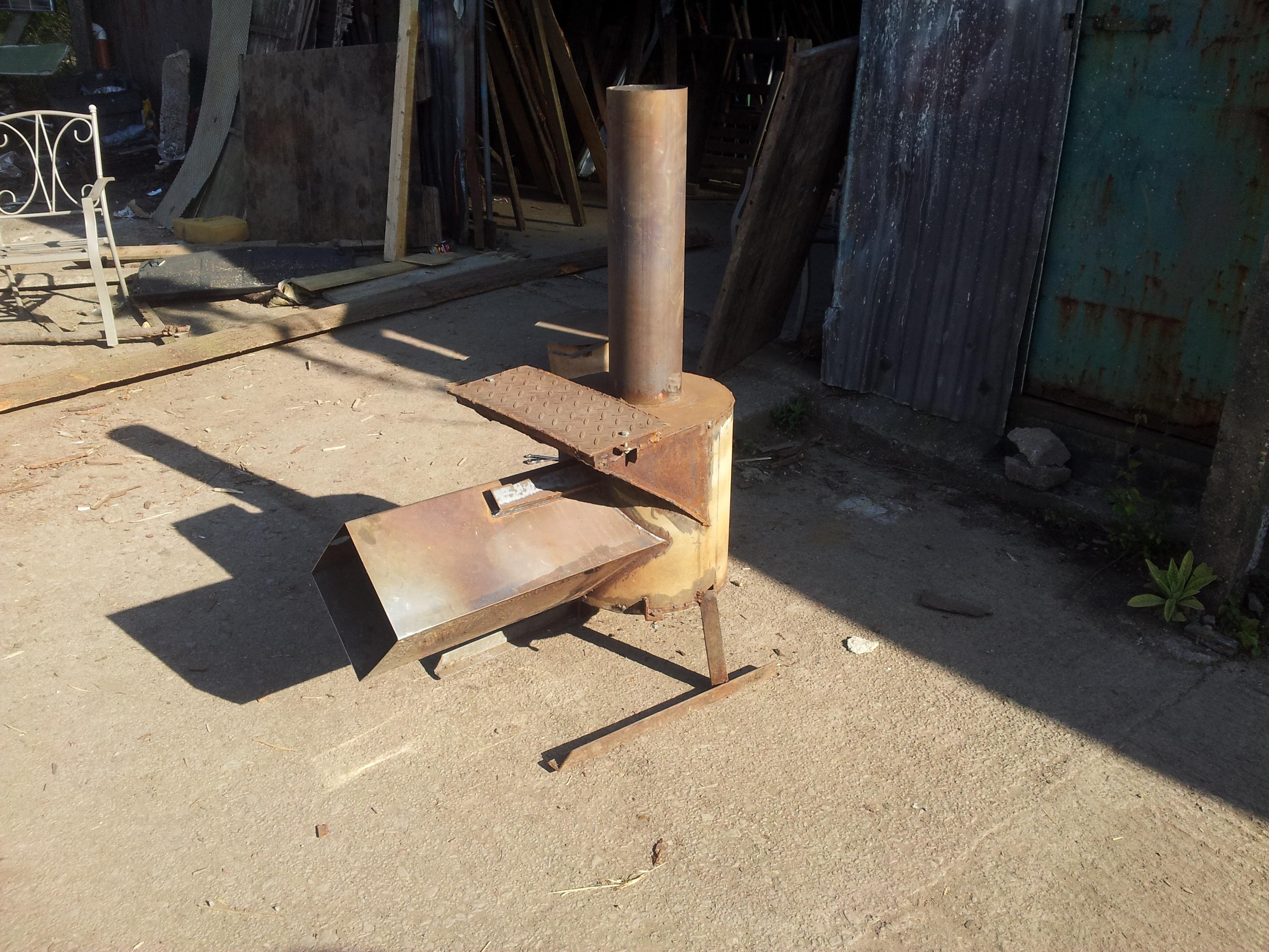 Forest biochar rocket stove