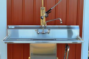 Spray Table and Sink