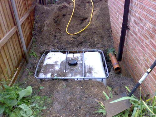 Underground Rainwater Storage in an IBC with Pumped Supply